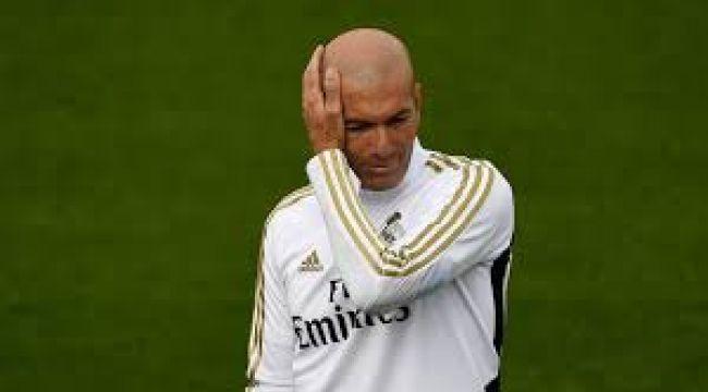 Real Madrid'de Zidane topun ağzında