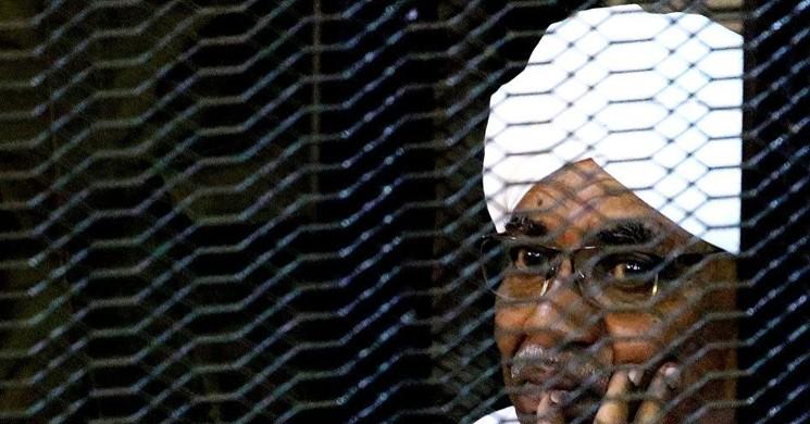 Devrik Sudan Lideri Ömer El-Beşir'e 2 Yıl Hapis