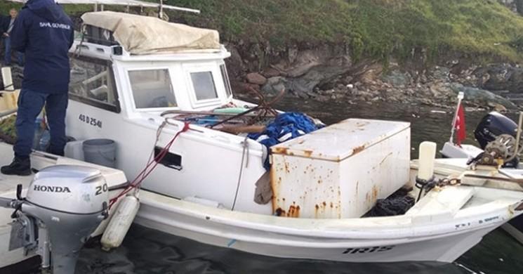 Muğla'daki Fırtınada Teknesi Kıyıya Vuran Balıkçı Kayboldu