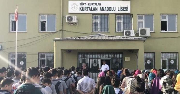 Öğrencilerin Etek Boyunu Ölçtüren Müdüre Soruşturma