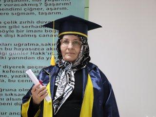 68 yaşında liseden mezun oldu