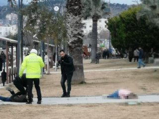 Eşini vurdu, polis gelene kadar başında bekledi
