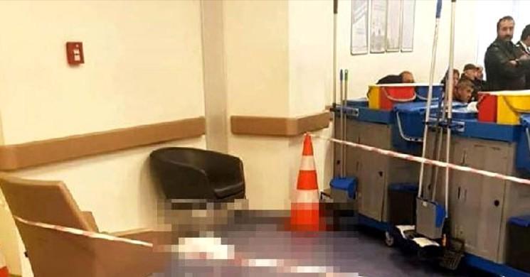 Hastanede Birbirlerini Bıçakladılar