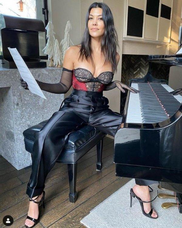 Kourtney Kardashian'dan 'Ermeni baklavası' paylaşımı