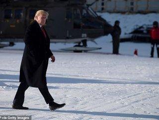 Trump, kauçuk ayakkabılarıyla Davos'ta