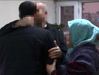 Evlat nöbetinde bir kişi daha ailesine döndü