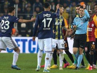 Fenerbahçe 'kırmızı kart' lideri