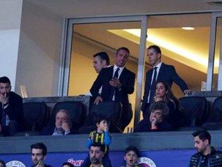 Fenerbahçeli taraftarlar Ali Koç'a tepki gösterdi