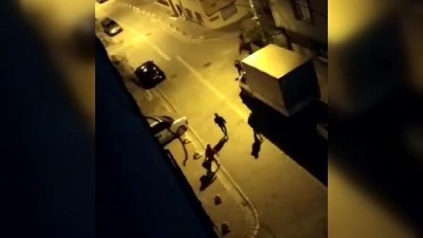 Kız arkadaşını vurdu, bir süre başında bekleyip kaçtı