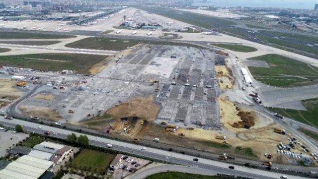 Atatürk Havalimanı'na yapılan Prof. Dr. Murat Dilmener Acil Durum Hastanesi'nin inşa süreci havadan görüntülendi