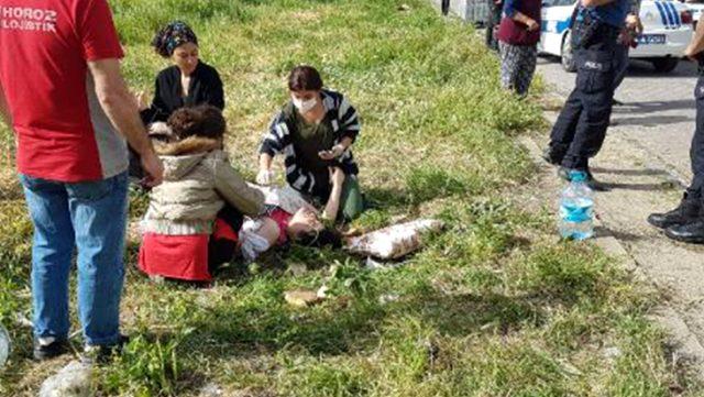 Avcılar'da bir kişi sokak ortasında karısını çeşitli yerlerinden bıçakladı