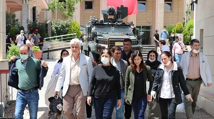 Gözaltına alınan HDP'li 3 belediye başkanı adli kontrolle serbest bırakıldı