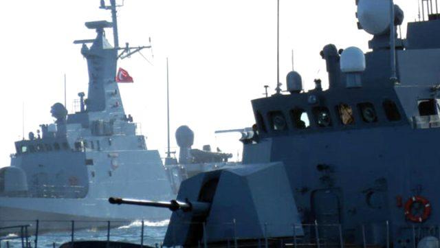 Bakan Akar'dan Türk donanmasının Fransız gemisini taciz ettiği iddiasına yanıt: Kural dışı faaliyette bulunulmadı