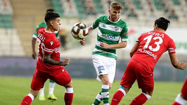 Bursaspor, sahasında Adana Demirspor'la 0-0 berabere kaldı