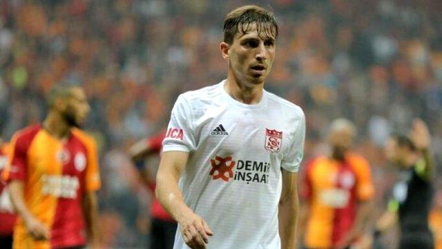 Fenerbahçe'nin gündemindeki Sivassporlu Mert Hakan, 6 maçtır gol ve asist katkısı yapamıyor