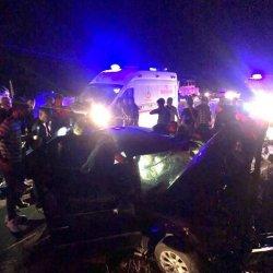 Aksaray'da iki araç kafa kafaya çarpıştı: 2 ölü 4 yaralı