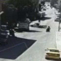 Ankara'da motosiklet kazası kamerada