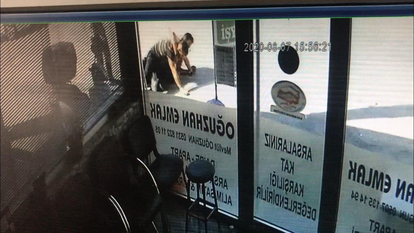 Denizli de polis memurunun ayağı kırsa da kaçamadı #1
