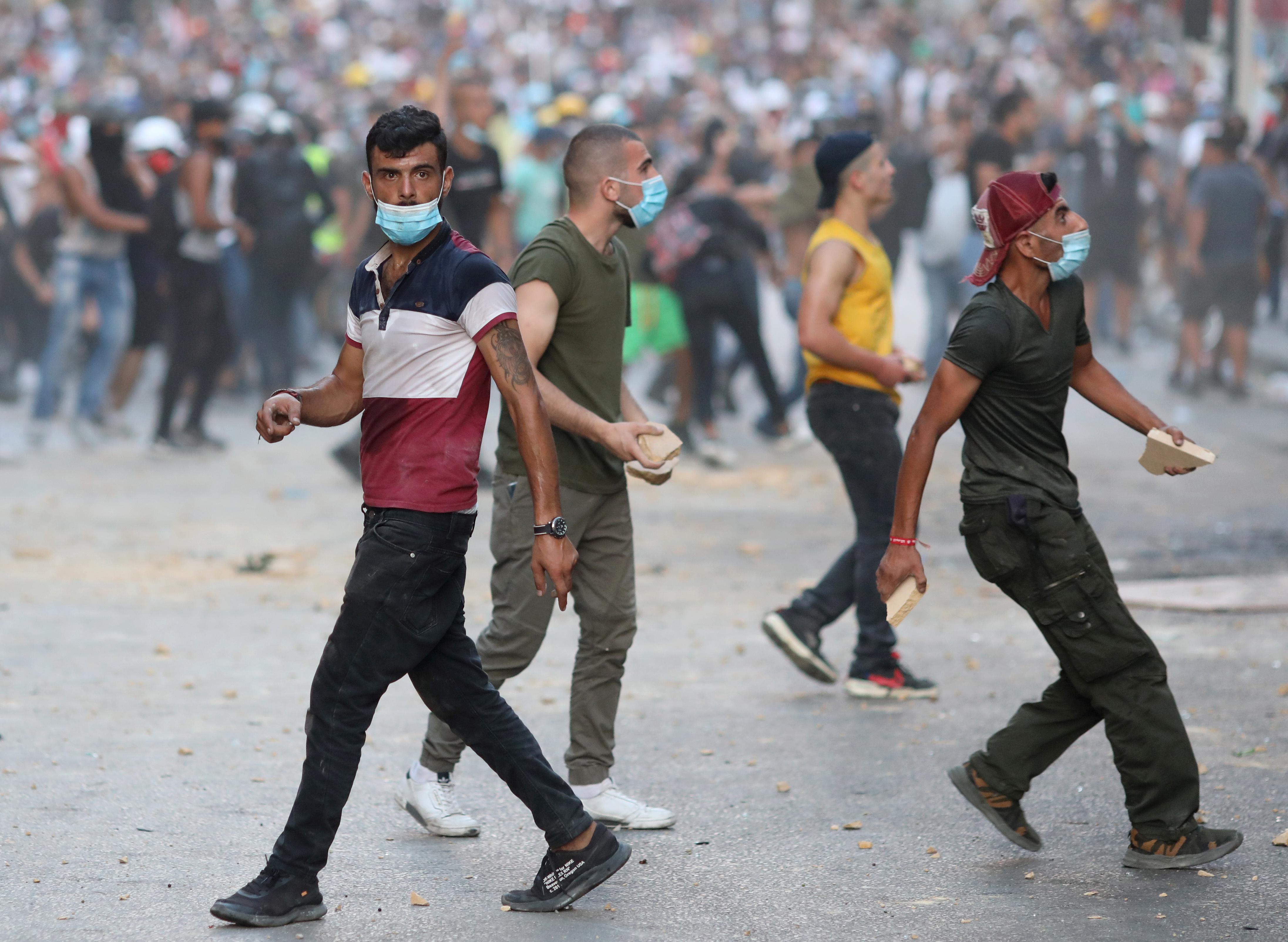 Lübnan da istifa eden bakan sayısı 4 e yükseldi #3