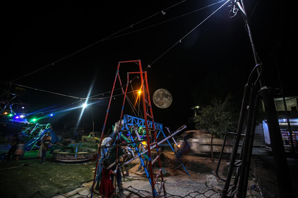 Suriye'de dolunaylı geceden fotoğraflar #2