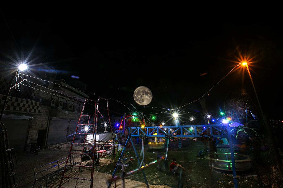 Suriye'de dolunaylı geceden fotoğraflar #7